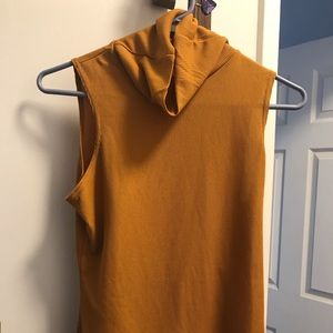 Tank turtle neck, amber colored, classy! NWT